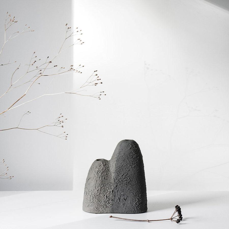 "keramik blumenvase ""mountain"" von Ferreol Babin bei pulpo"
